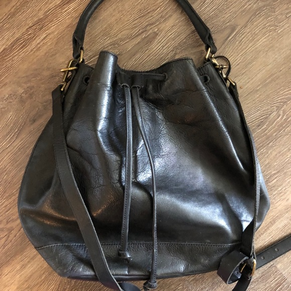 Madewell Handbags - Madewell Lafayette  drawstring handbag - like new!
